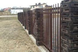 Metalinės strypų tvoros 01