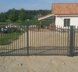 Metalinės strypų tvoros 02