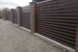 skardinės tvoros žaliuzi horizontalios 1