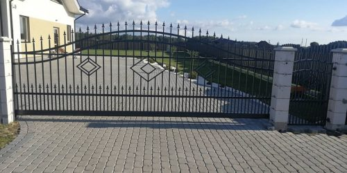 stumdomi vartai 36