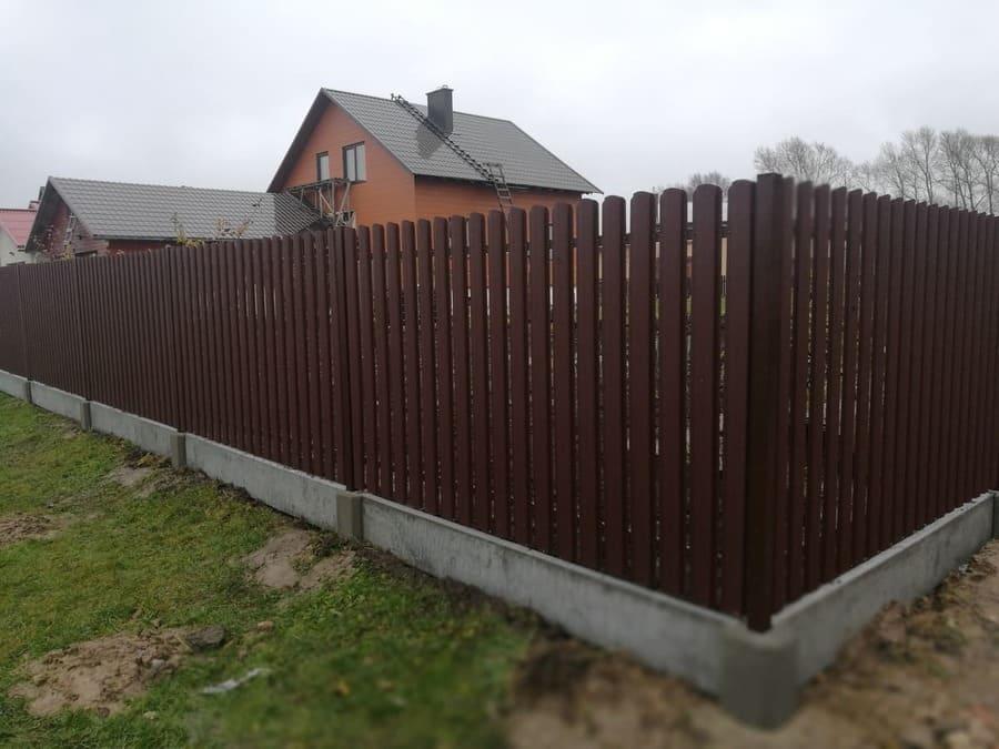 Surenkamas tvoros pamatas 16