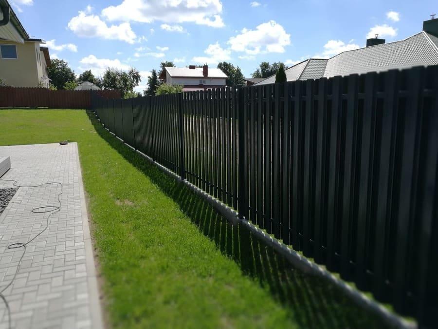 Surenkamas tvoros pamatas 18